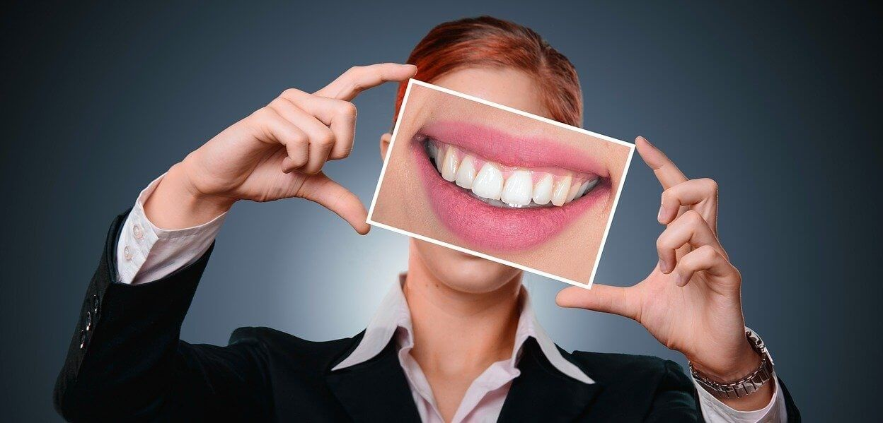 causes and tips to prevent yellow teeth