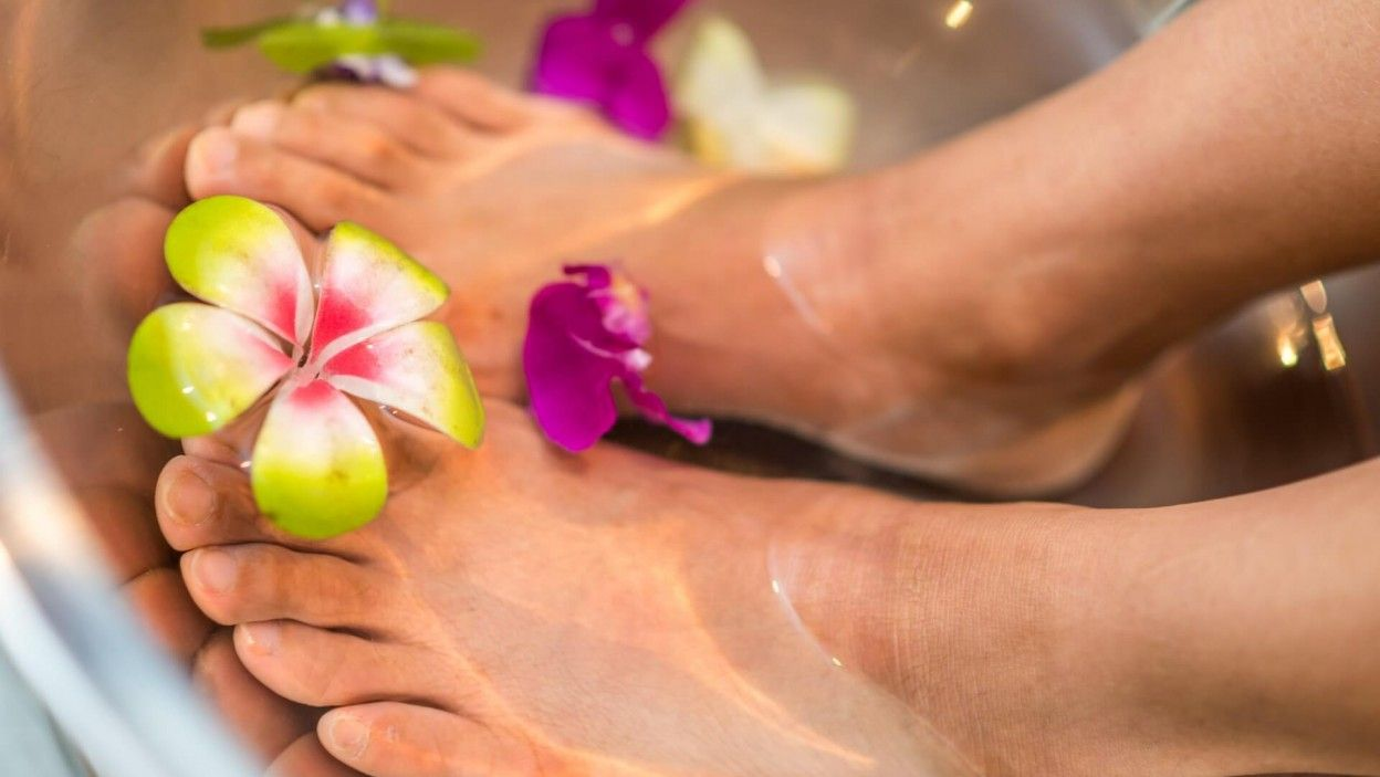 how to get rid of thick dead skin on feet